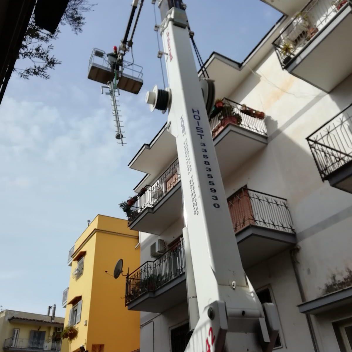 Vittoria al Tar Napoli: rimosso impianto a banda larga